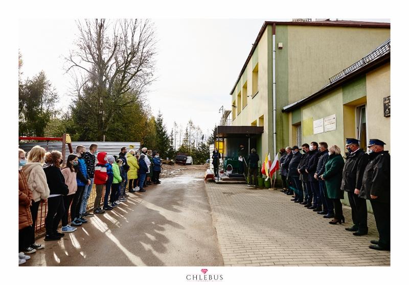 Szkoła Nowa Wieś-076-1 (800x558)